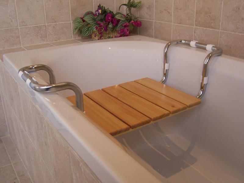 Sedile per vasca piano larice testato t v sedile per - Sgabelli da bagno ...